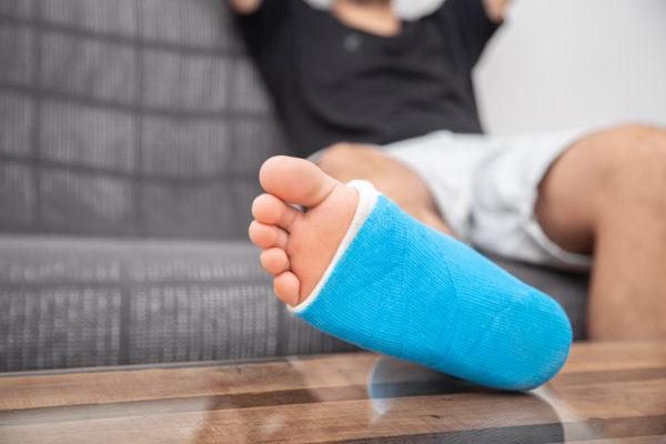 Was tun bei Verletzungen? Beachten Sie die P.E.C.H. Regeln
